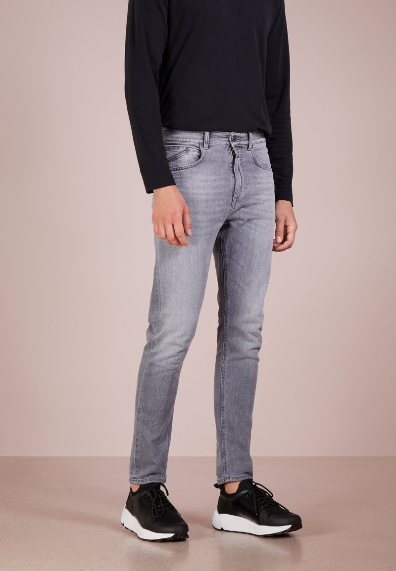 CLOSED - COOPER  - Slim fit jeans - light grey aged