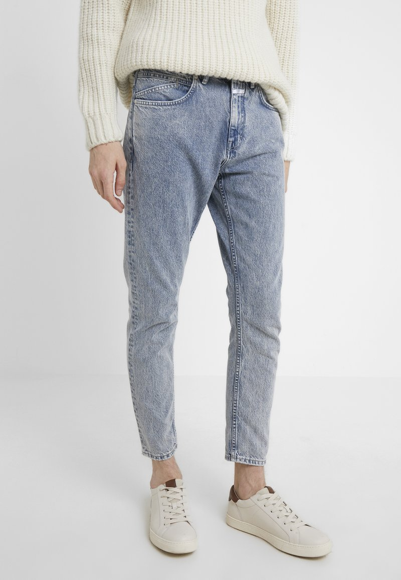 CLOSED - COOPER  - Jeans Tapered Fit - light blue