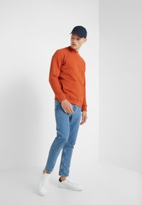 CLOSED - COOPER  - Jeans Tapered Fit - mid blue - 1