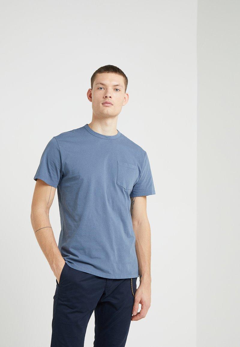 CLOSED - T-shirts - tropic thunder