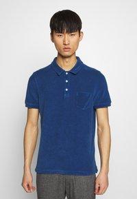 CLOSED - SHORT SLEEVE - Polo shirt - fading indigo - 0