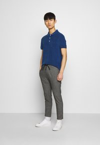 CLOSED - SHORT SLEEVE - Polo shirt - fading indigo - 1