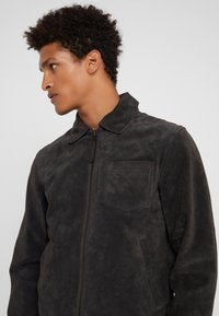 CLOSED - ZIP UP JACKET - Skinnjacka - espresso - 5