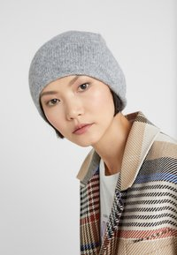 CLOSED - HAT - Bonnet - grey heather melange - 1