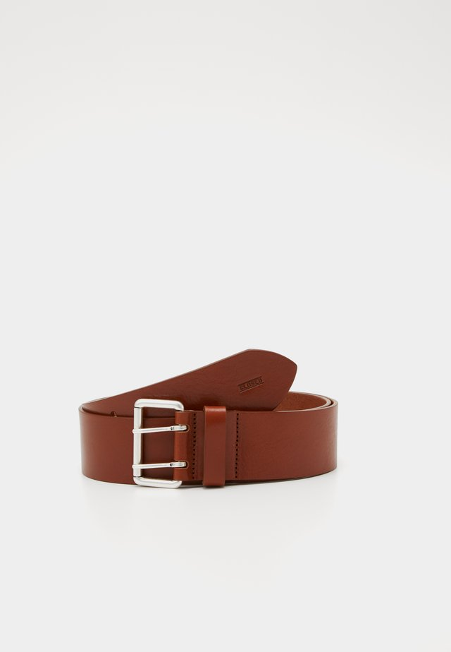 BELT DOUBLE HOLE WIDE - Skärp - pecan