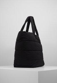 CLOSED - BAG - Shoppingveske - black - 3
