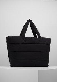 CLOSED - BAG - Shoppingveske - black - 2