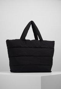 CLOSED - BAG - Shoppingveske - black - 0