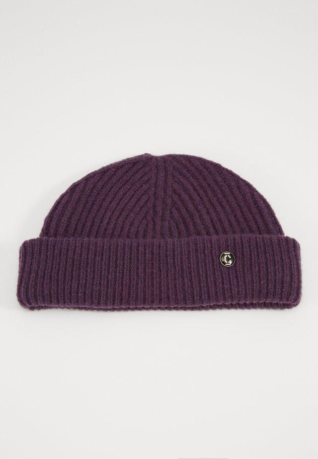 Čepice - dark purple