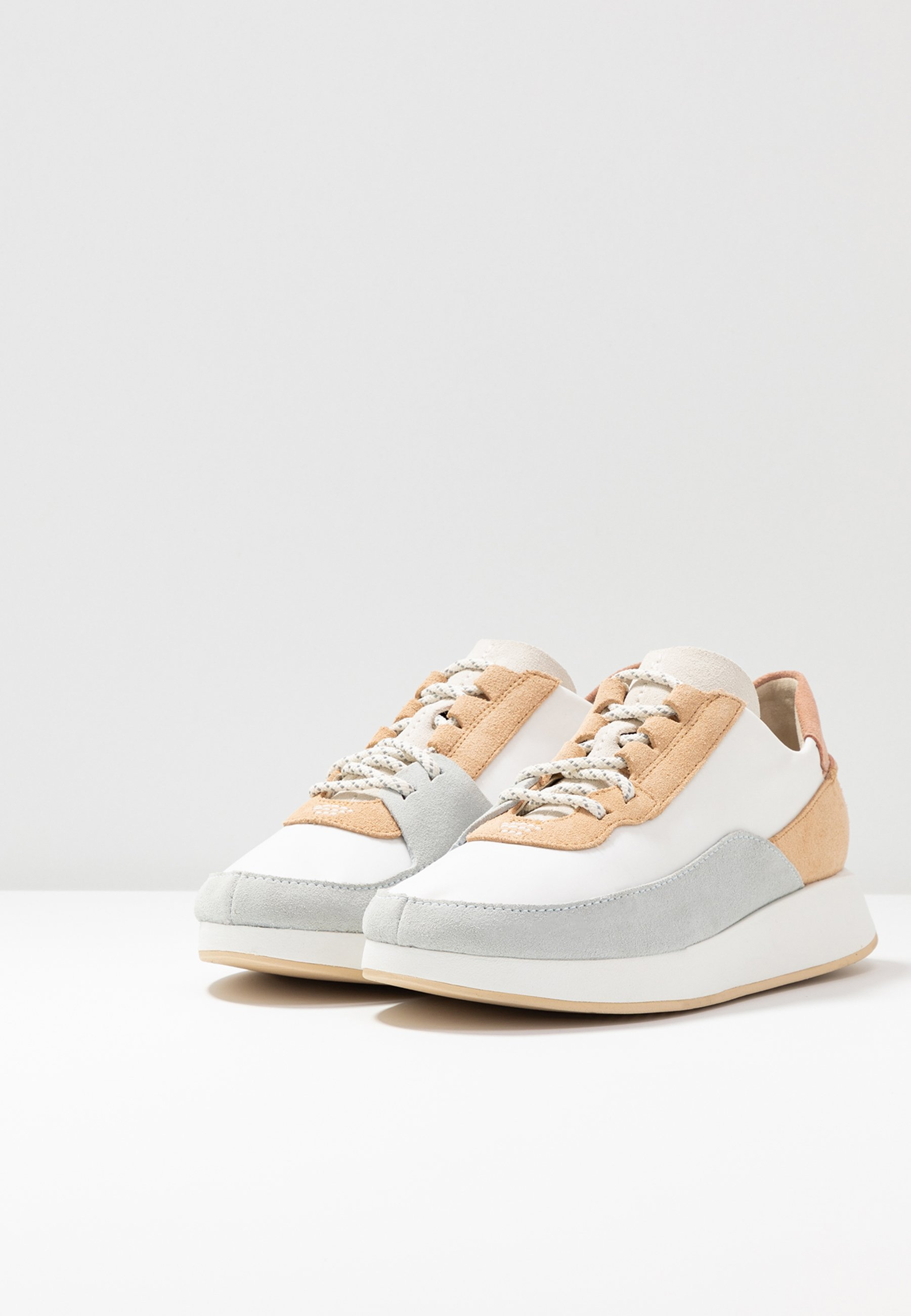 Clarks Originals KIOWA PACE - Sneakers - white/multicolor
