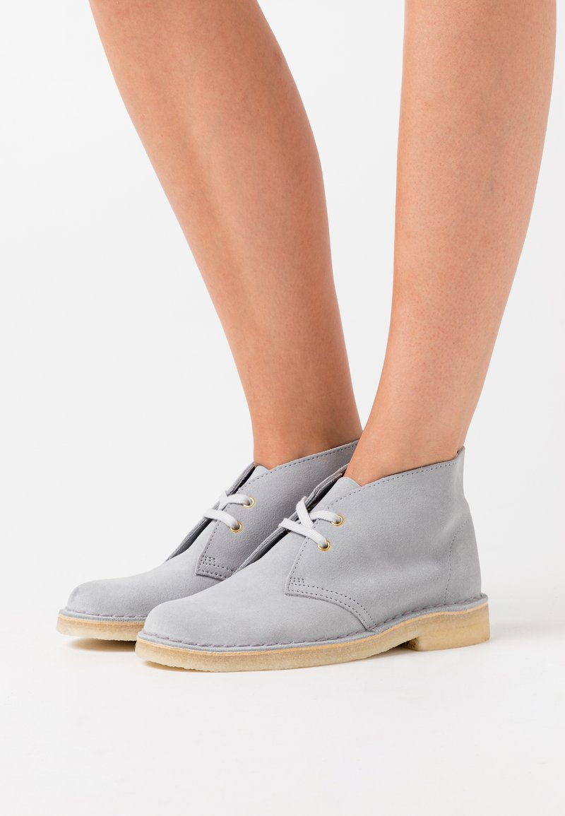 Clarks Originals - DESERT BOOT - Casual lace-ups - blue grey