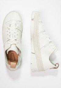 Clarks Originals - TRIGENIC FLEX  - Sneakers basse - white - 2