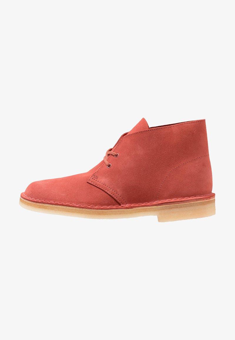 Clarks Originals - DESERT - Zapatos con cordones - clay