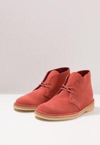 Clarks Originals - DESERT - Zapatos con cordones - clay - 2