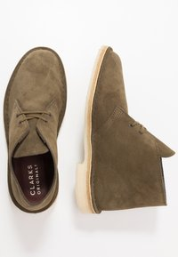 Clarks Originals - DESERT - Casual lace-ups - dark olive - 1