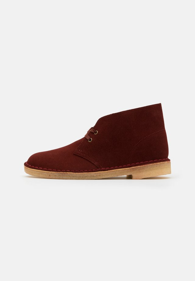 DESERT BOOT - Bottines à lacets - rust brown