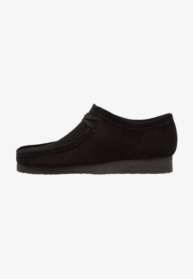WALLABEE-SCHNÜRSENKEL-WEISS - Sporty snøresko - black