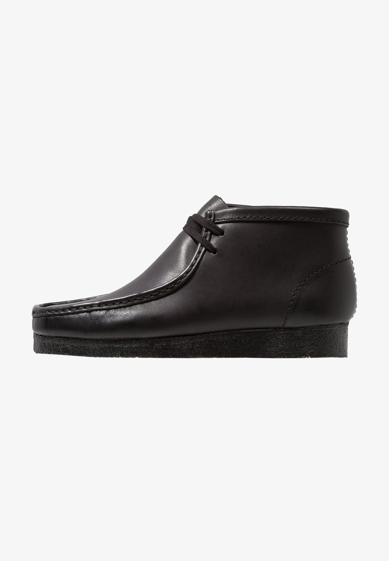 Clarks Originals - WALLABEE BOOT - Zapatos con cordones - schwarz