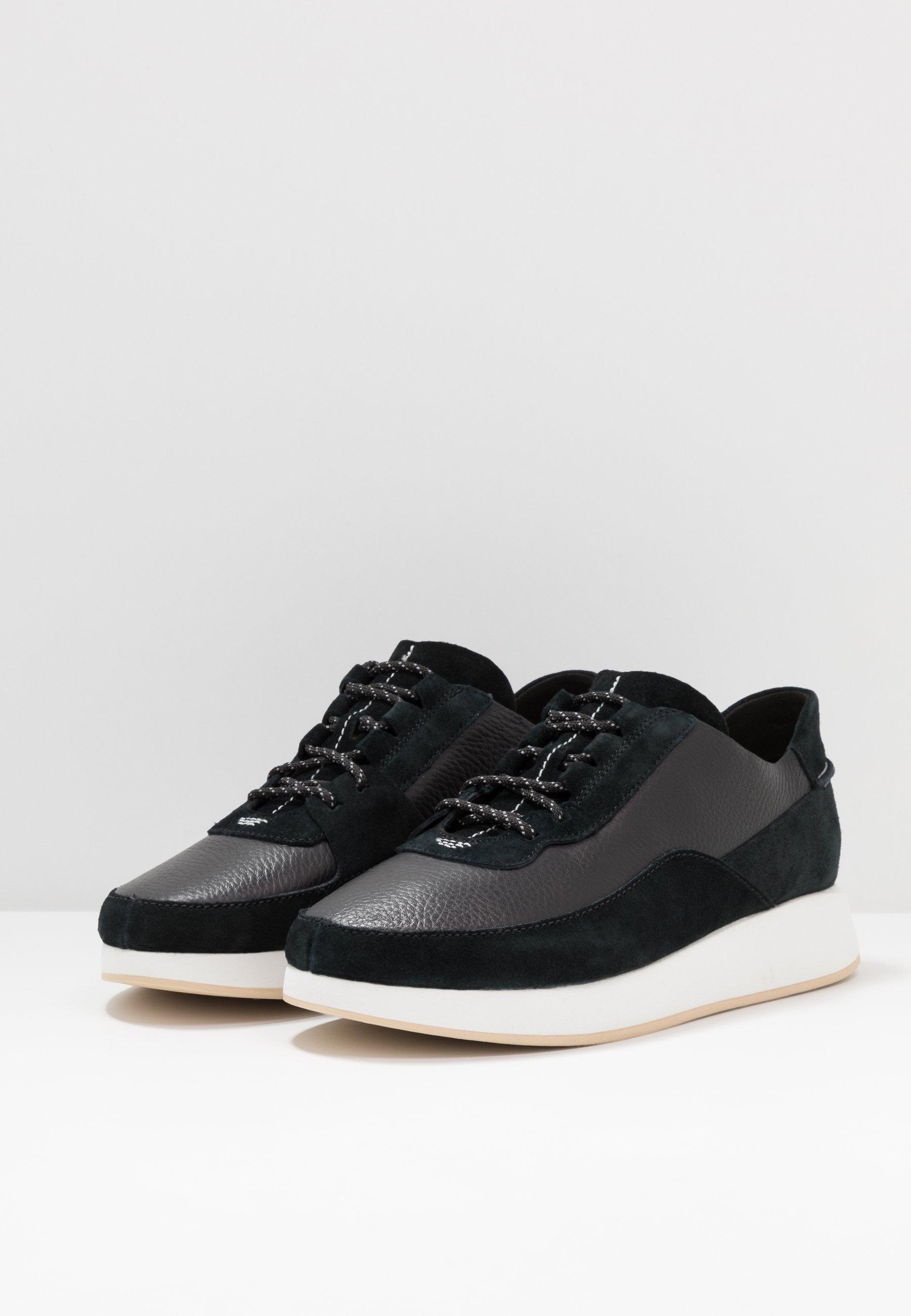 Clarks Originals KIOWA PACE - Sneakersy niskie - black
