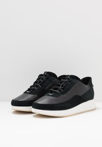 Clarks Originals - KIOWA PACE - Sneakers - black - 2