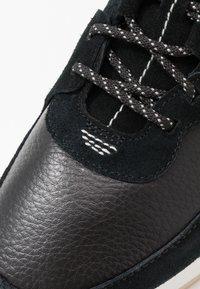 Clarks Originals - KIOWA PACE - Sneakers - black - 5