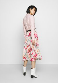 Closet - PLEATED SKIRT - A-line skjørt - peach - 2