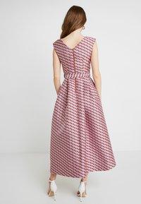 Closet - HI-LO DRESS - Cocktailkjoler / festkjoler - pink - 2