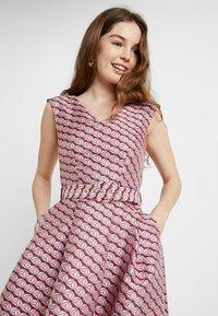 Closet - HI-LO DRESS - Cocktailkjoler / festkjoler - pink - 3