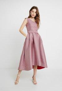Closet - HI-LO DRESS - Cocktailkjoler / festkjoler - pink - 1