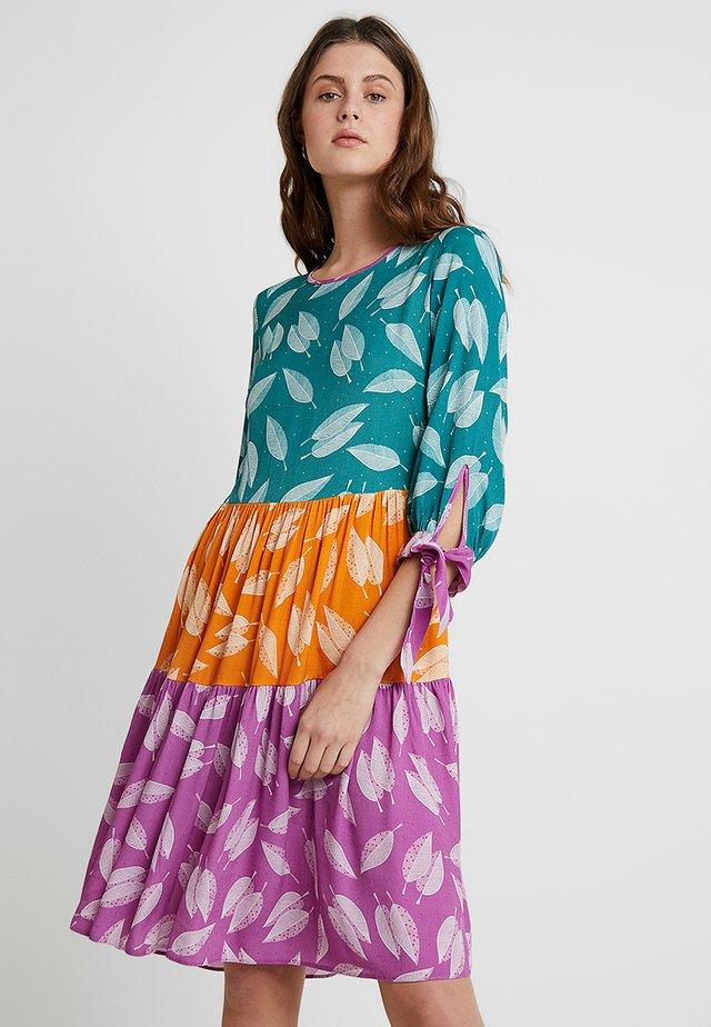 LONDON TIERED MIDI DRESS - Day dress - multi