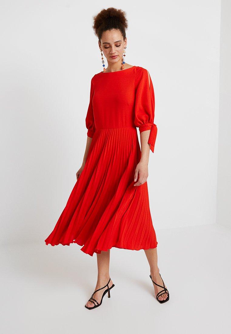 Closet - PLEATED SKIRT WITH TIE SLEEVE DRESS - Maxikjoler - orange