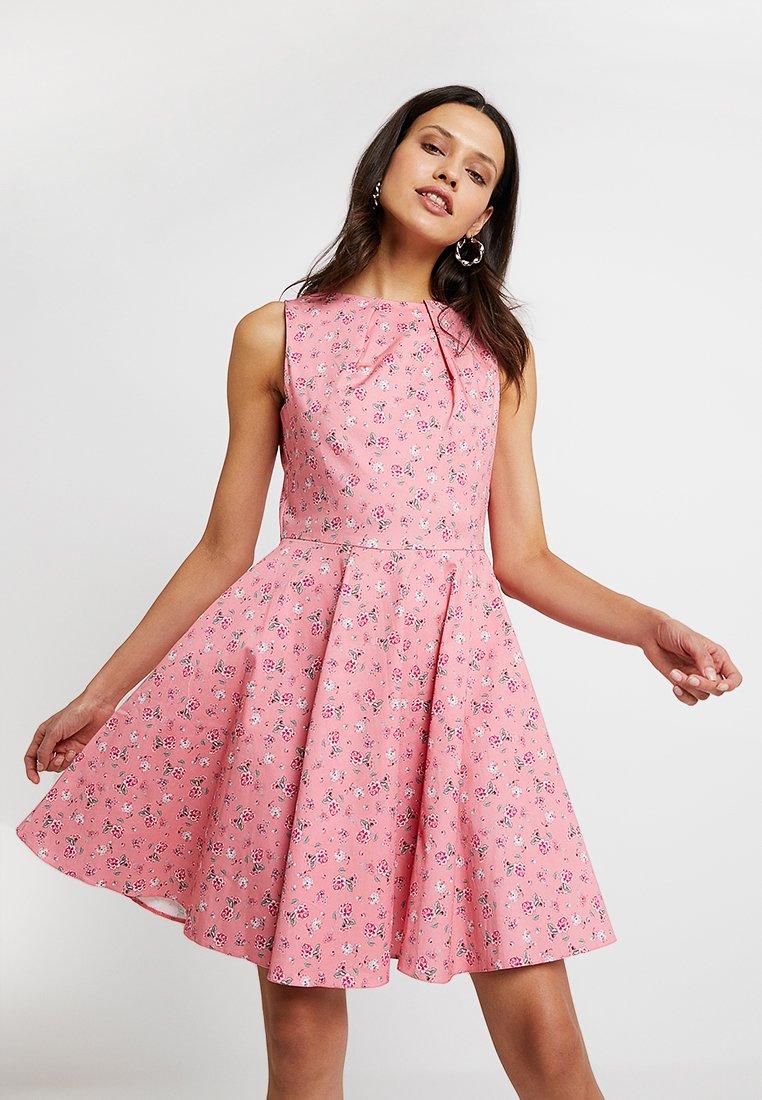 Closet - Freizeitkleid - pink