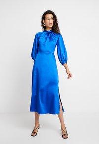 Closet - GATHERED NECK A-LINE DRESS - Galajurk - blue - 0