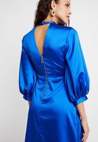 Closet - GATHERED NECK A-LINE DRESS - Galajurk - blue - 3