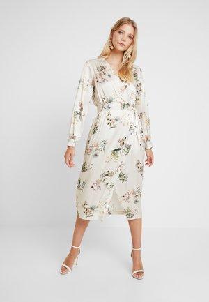 WRAP DRESS WITH BUCKLE - Maxi-jurk - ivory