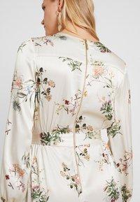 Closet - WRAP DRESS WITH BUCKLE - Maxi-jurk - ivory - 3