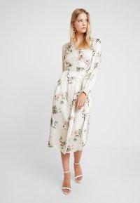 Closet - WRAP DRESS WITH BUCKLE - Maxi-jurk - ivory - 1