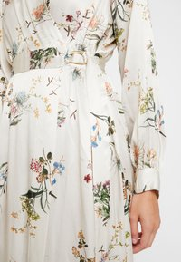 Closet - WRAP DRESS WITH BUCKLE - Maxi-jurk - ivory - 6
