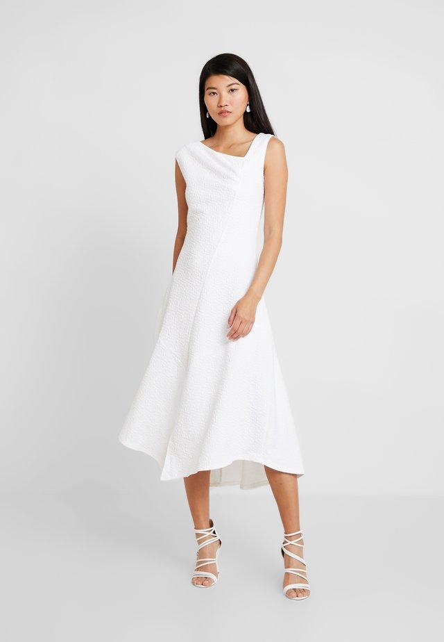 CLOSET A SYMMETRIC GATHERED DRESS - Vestito elegante - ivory