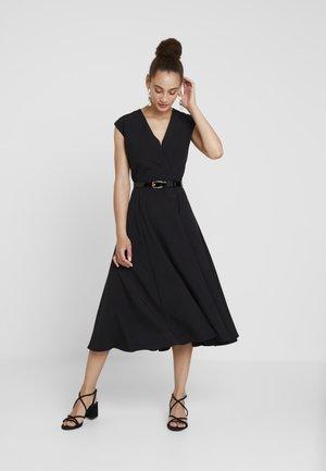 FLARED WRAP DRESS WITH BELT - Vestido largo - black