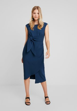 DRAPE PENCIL DRESS WITH TIE - Pouzdrové šaty - blue