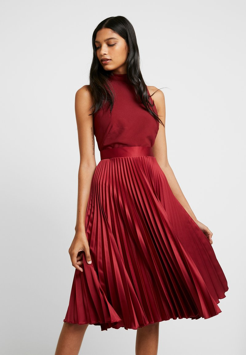 Closet - PLEATED SKIRT DRESS - Juhlamekko - burgundy