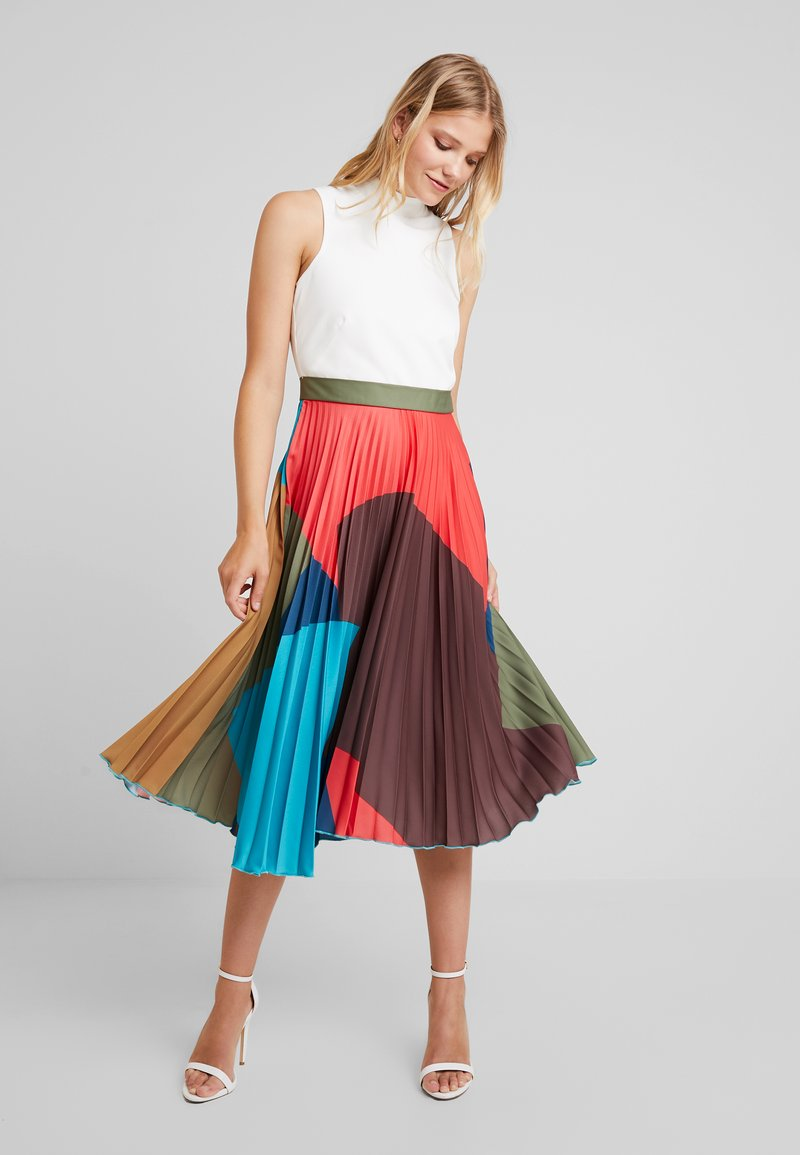Closet - PLEATED SKIRT DRESS - Freizeitkleid - brown
