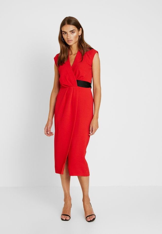 CLOSET PLEATED WRAP PENCIL DRESS - Pouzdrové šaty - red