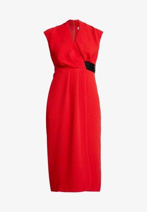 CLOSET PLEATED WRAP PENCIL DRESS - Etuikjole - red