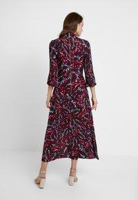 Closet - HIGH NECK FRONT SLIT DRESS - Robe d'été - maroon - 3