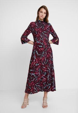 HIGH NECK FRONT SLIT DRESS - Day dress - maroon