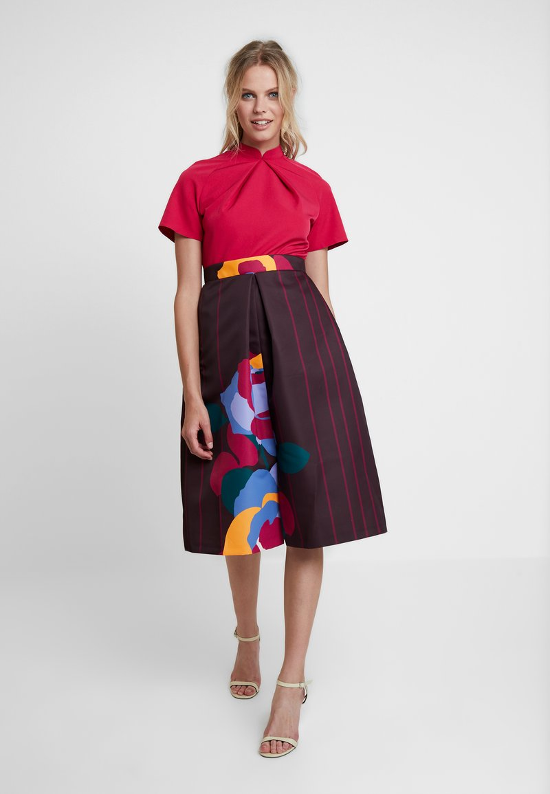 Closet - GRANDAD COLLAR DRESS - Cocktailkleid/festliches Kleid - maroon