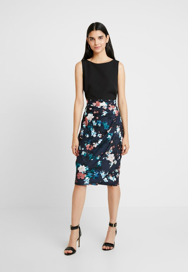 CLOSET PLEATED PENCIL DRESS - Etuikjoler - black