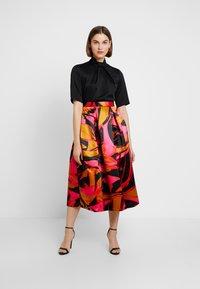 Closet - COLLAR FULL SKIRT DRESS - Cocktailkleid/festliches Kleid - red - 2